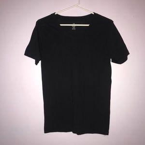 Simple comfy black T-shirt ; V-neck